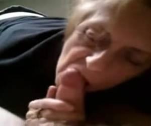 seniorensexdating ze pijpt haar broertje streaming porno hevige sex filmpjes