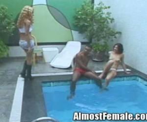 videos de travesti sara rincon follando