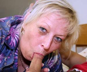 michelle la vie sex sex tube deze geile oma laat zich graag berijden nederlandporno