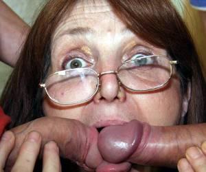 viejas putas chupando pijas:
