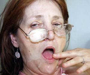 spuitende oude vrouwen gay date groningen