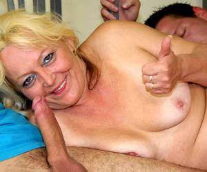 turkey woman fat ebony woman pussylicked and bounces on guys hard dick sex clips amateur mature woman hard anal fuck in the bathroom