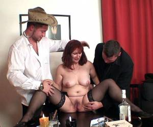 A sexy mature gets fucked