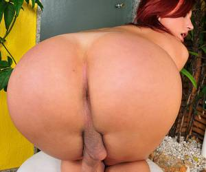 //media.yellowplace.nl/media/6/images/898_tsdolls_com_joy_spears_1-tube.jpg