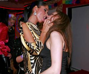klaarkomende lesbiennes kennen alle sex plekjes