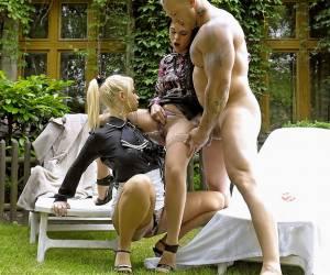 homoboys meesteres neukt slaaf